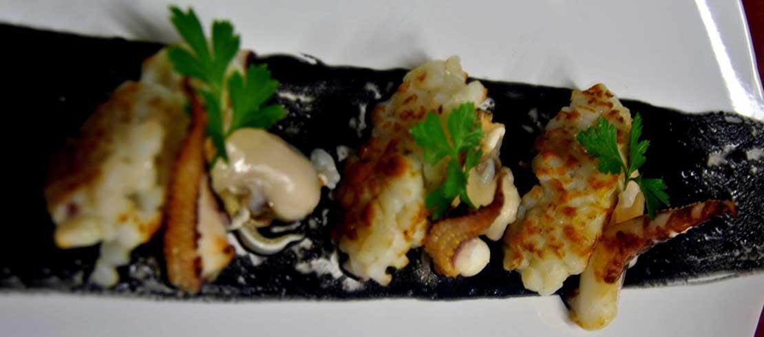 Il bianco, il nero e la rossa…chicche di seppia scottate con crudo di tartufi di mare e salsa al nero aromatizzata alla Birra Moretti La Rossa