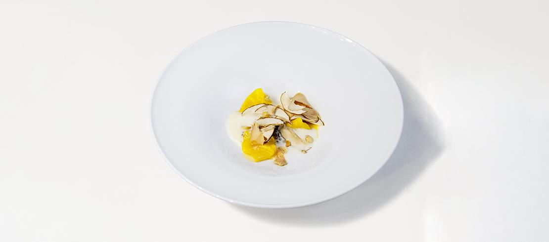 La Birra con il cappelletto: cappelletti ripieni di birra con zenzero, funghi, spuma al parmigiano e foie gras