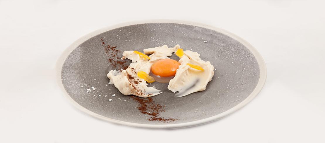 Moretti Grand Cru gelata e spalmata con orzo tostato, tuorlo d'uovo al malto, albicocca e liquirizia