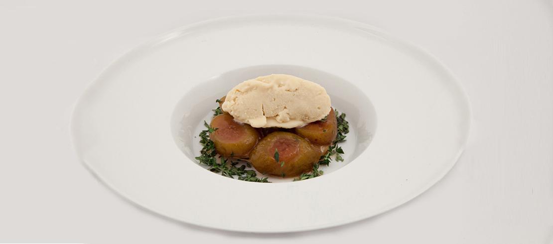 Pork belly laccata alla Birra Moretti Zero, insalata di ciliegie, cicorino, origano fresco e i suoi fiori