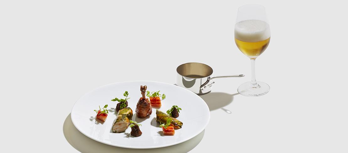 Pollo di Bresse alle alghe marine, spugnole ripiene, granseola al cerfoglio, salsa Albufera