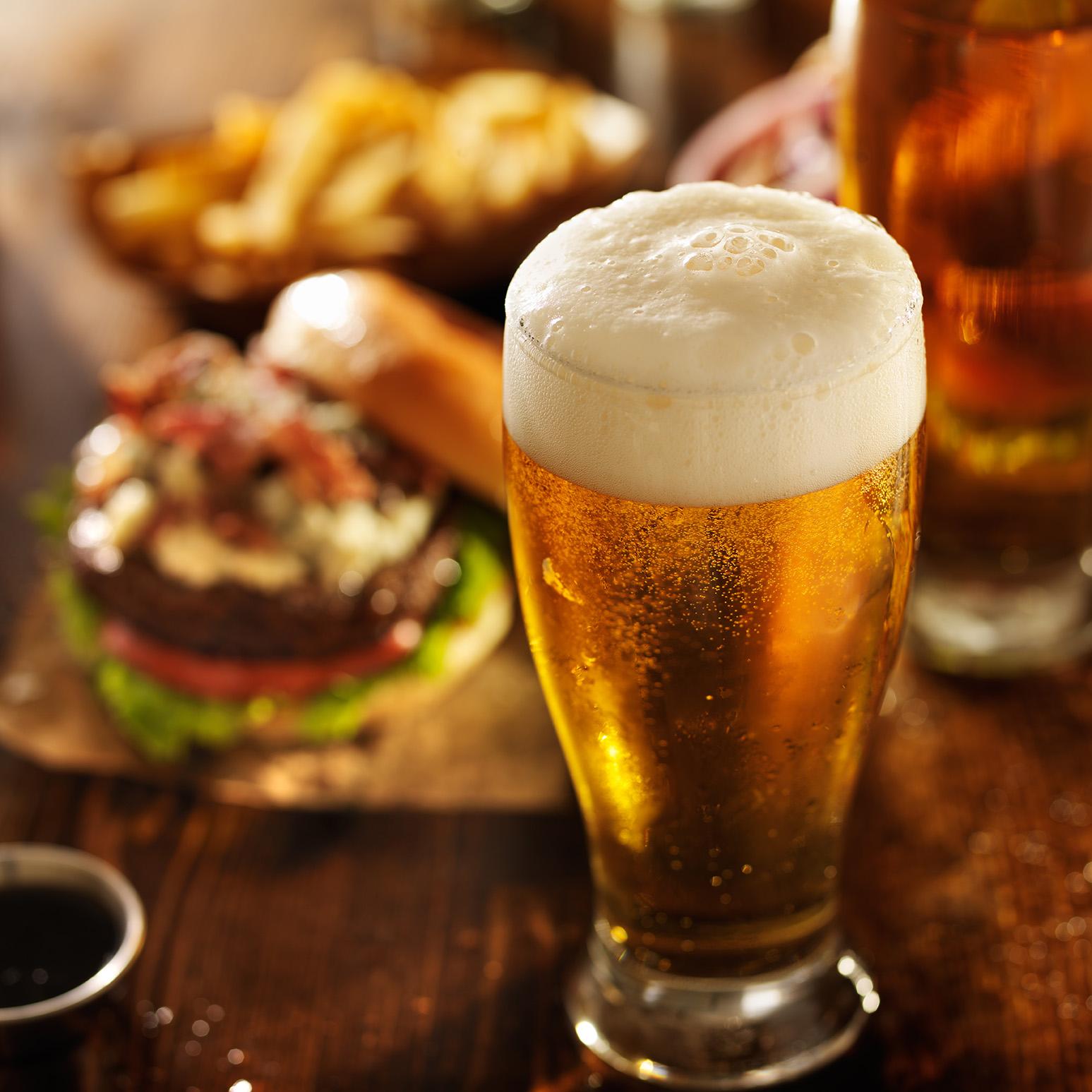 Birra bevanda sociale, da sempre simbolo di amicizia e condivisione
