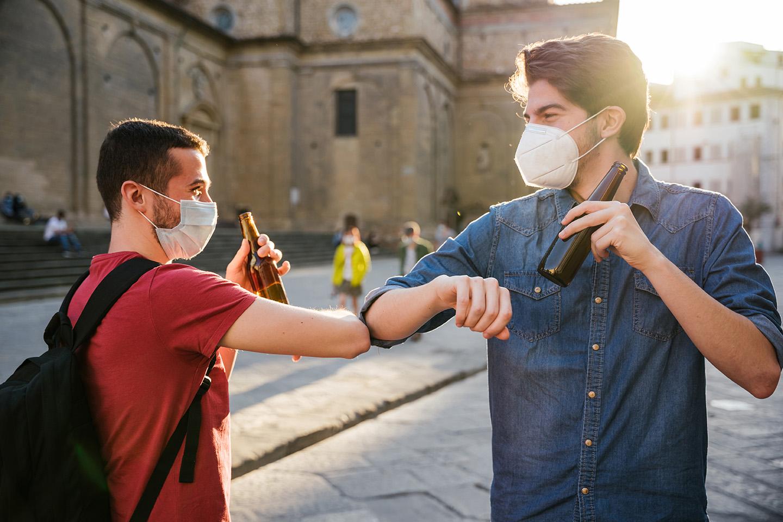 Birra e non solo: ecco la (nuova) socialità degli italiani